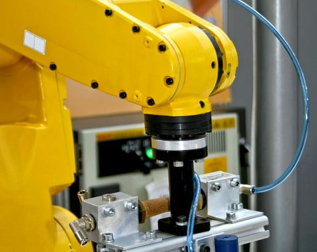 Pick & Place Applications with Robotic Arm